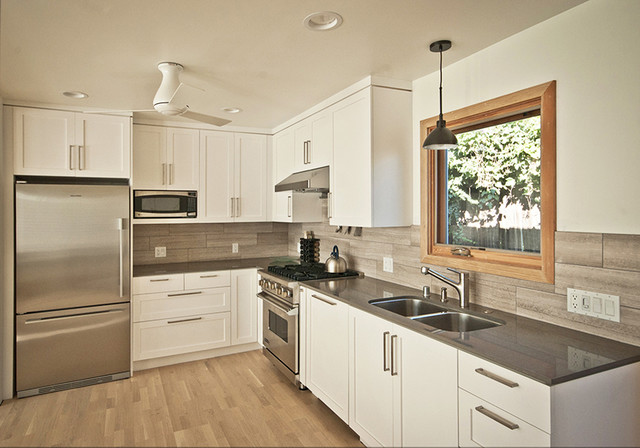 laguna beach cottage kitchen - Beach Style - Kitchen - orange county - by Moss Yaw Design studio
