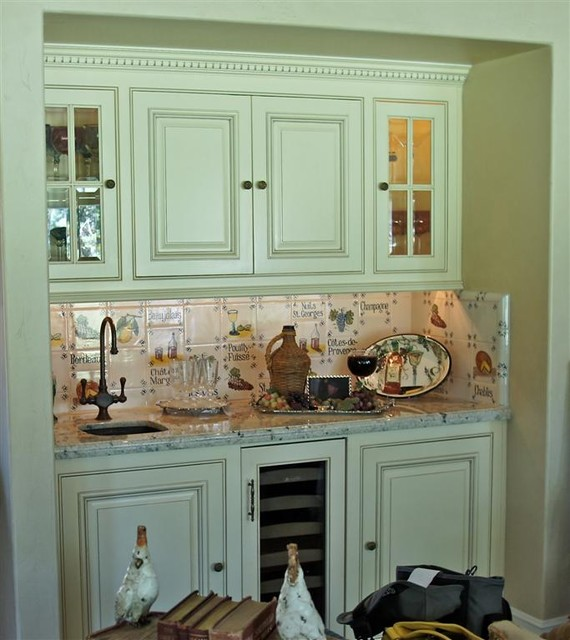 Lake Arrowhead Country French Kitchen traditional-kitchen