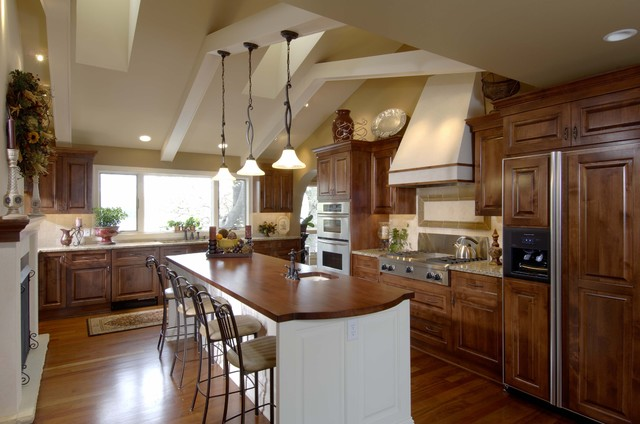 Lake Country Builders traditional-kitchen