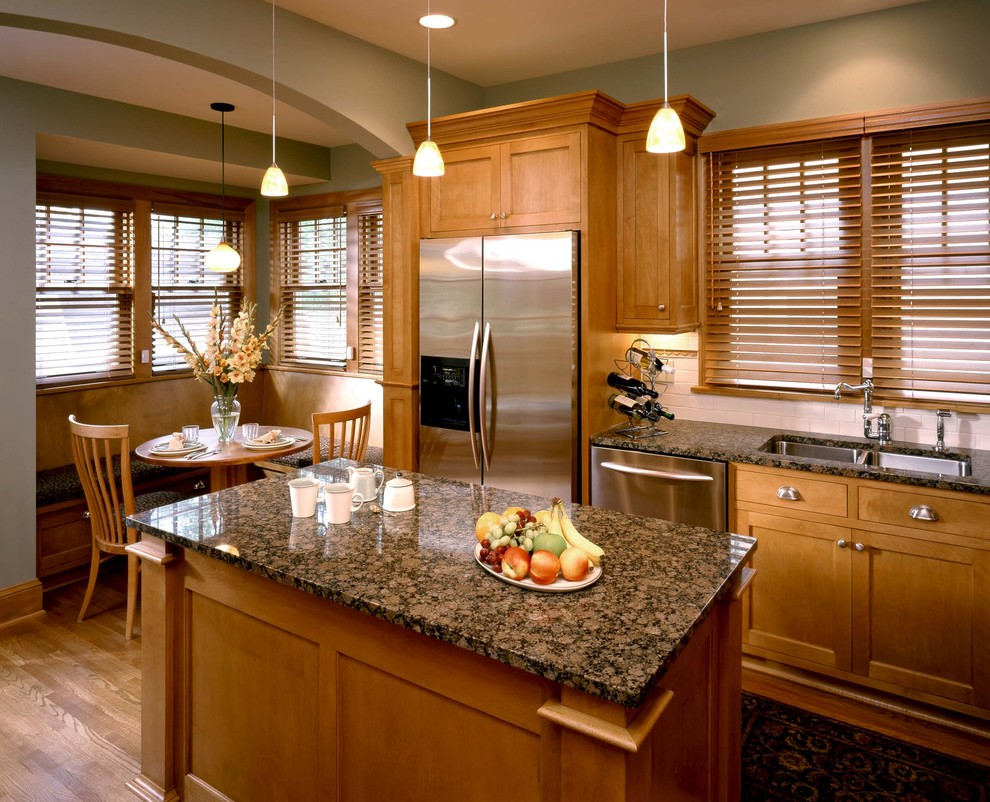 Inspiration for a timeless kitchen remodel in Minneapolis with stainless steel appliances