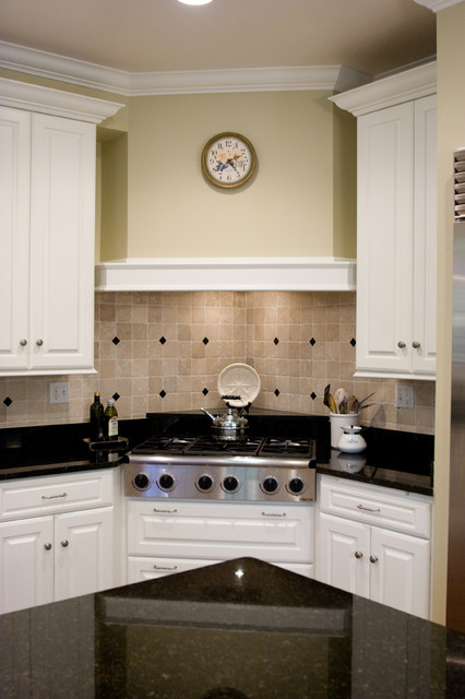 Lake Drive Cabinets traditional-kitchen