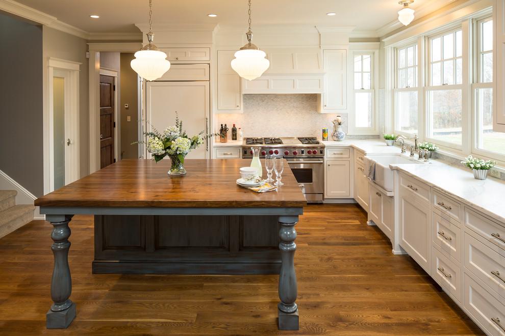 Kitchen - farmhouse kitchen idea in Minneapolis with marble countertops