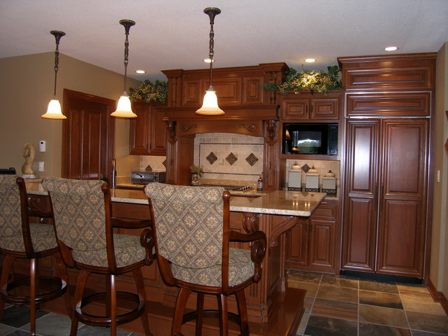 Lake Estate Home traditional-kitchen
