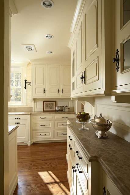 Lake harriet tudor kitchen traditional kitchen for Tudor kitchen design