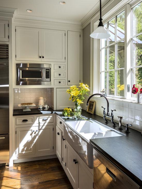 Farmhouse backsplash home design ideas pictures remodel for Farm style kitchen backsplash