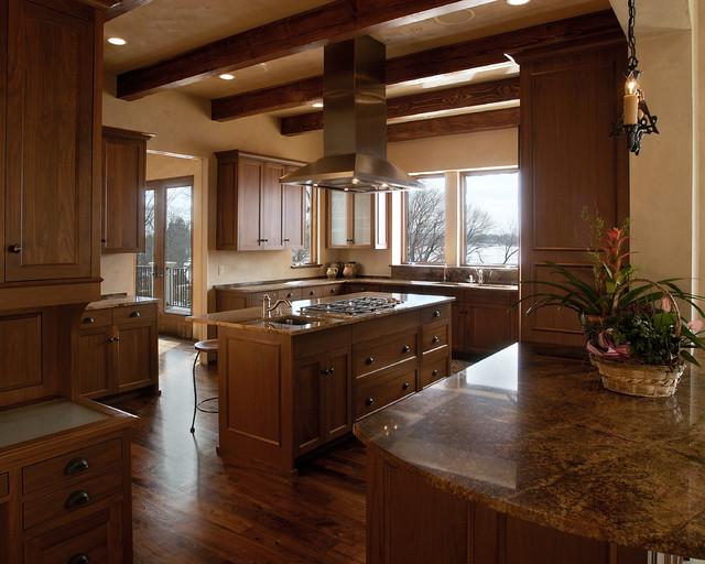 Lake Minnetonka Villa traditional-kitchen