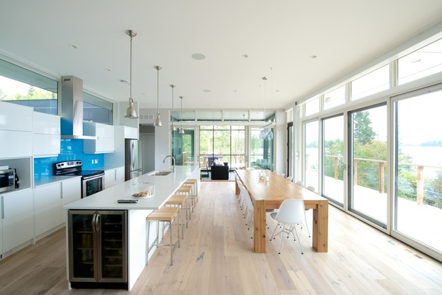 What to Consider With an Extra-Long Kitchen Island