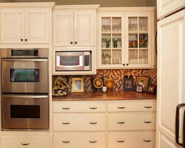 Lake oswego kitchen cabinet glazing traditional for Kitchen cabinets portland