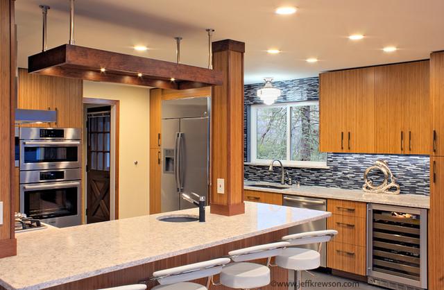 Lake stevens kitchen update in 1960s bungalow for Distinctive interior designs