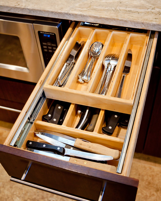 Lake winnebago remodel cutlery drawer detail modern kitchen kansas city by rothers Handleless kitchen drawers design