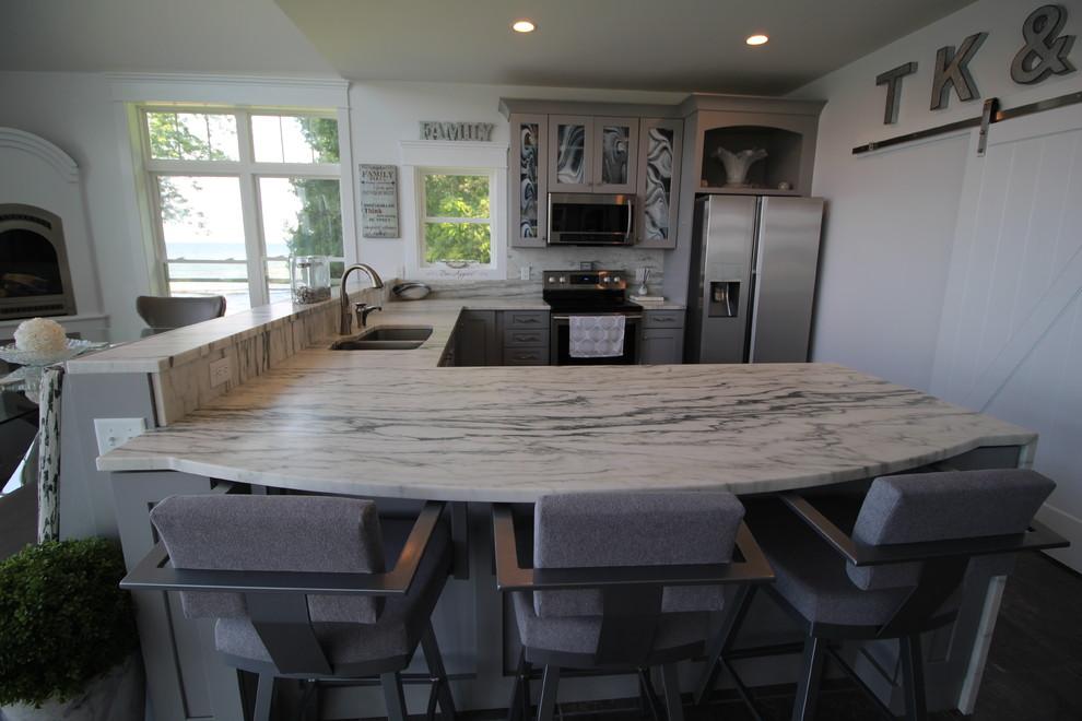 Lakeside Chic - Modern - Kitchen - Burlington - by ...