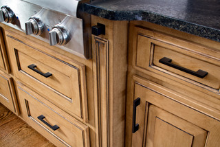 Bathroom Vanities Kansas City on Transitional   Kitchen Cabinets   Kansas City   By Countertop Shoppe