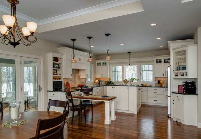Lakeside Refinement traditional-kitchen