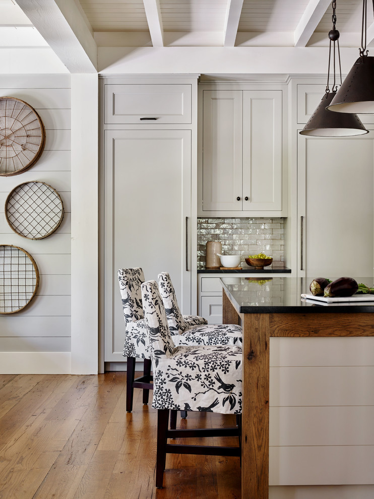 Example of a kitchen design