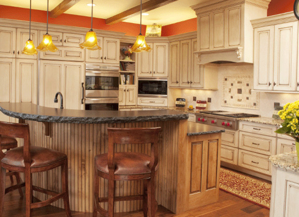 Lakeview traditional-kitchen