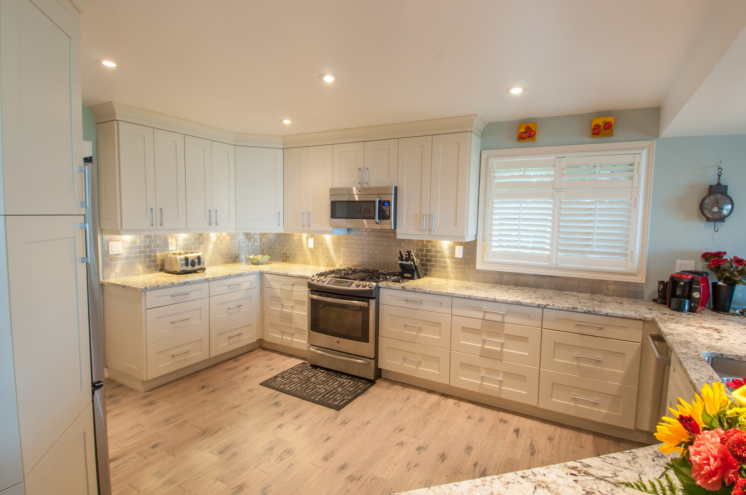 Lakeview Transitional Kitchen
