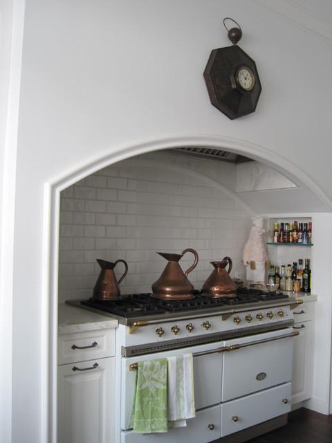 Lakewood traditional-kitchen