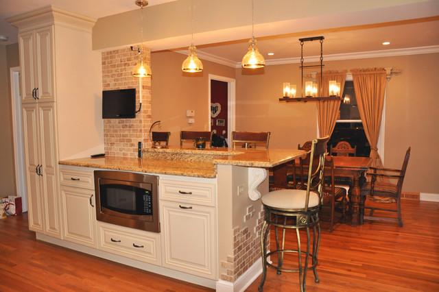 Lambert Kitchen traditional-kitchen