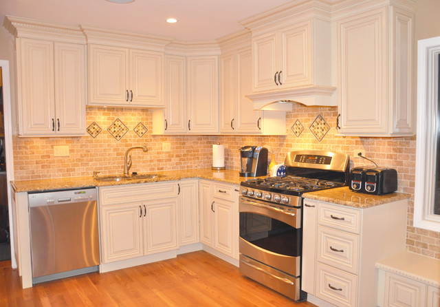 kitchen traditional kitchen chicago by choice cabinet chicago