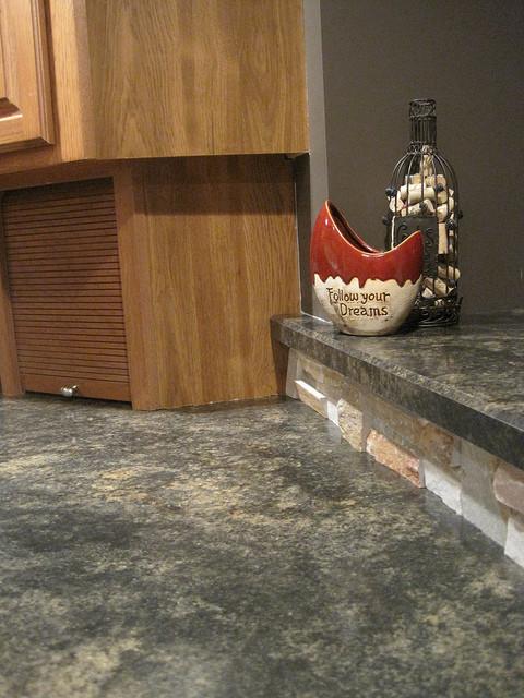 Laminate Countertops traditional-kitchen-countertops