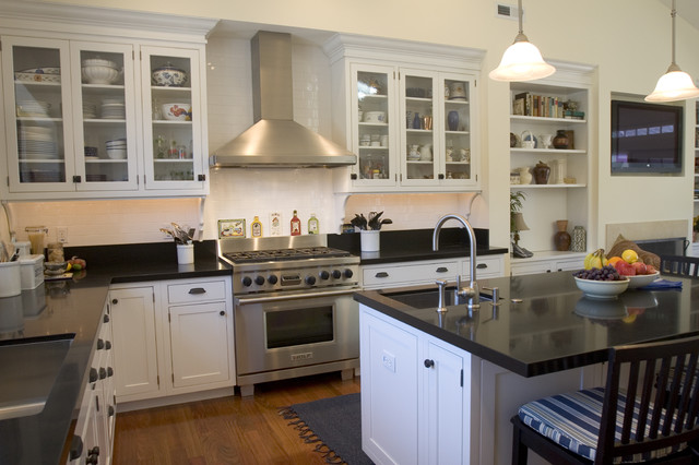 Lamperti Contracting & Design traditional-kitchen