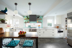 Kitchen of the Week: Light and Airy With a Bright Backsplash