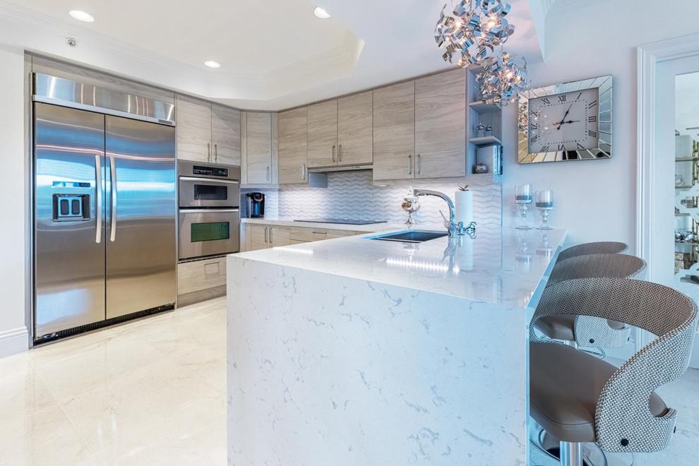 Landmark kitchen - Modern - Kitchen - Miami - by ShaRee Decor