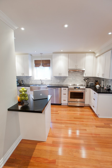 Lansing Renovation Traditional Kitchen Toronto By