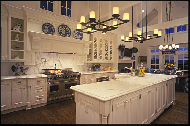 Large Country Kitchen - Traditional - Kitchen - san diego - by Evans Woodworking Inc