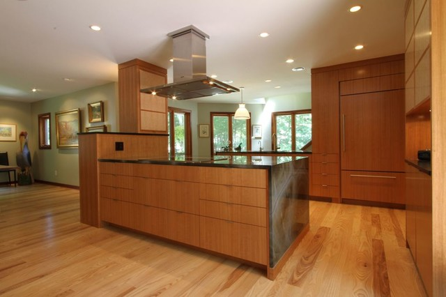 Large Kitchen Island Peninsula With Ceiling Mounted Range
