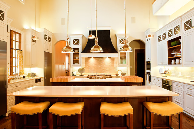 Large Kitchen Traditional Kitchen