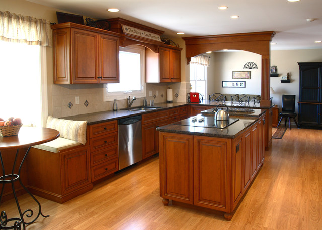 Large Open Kitchen For Entertaining Traditional