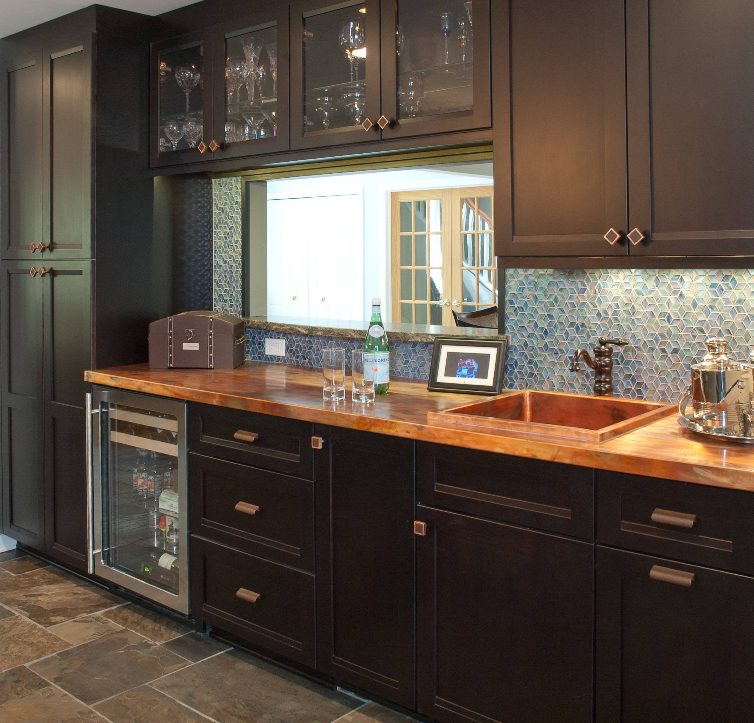 75 Beautiful Kitchen With Copper Countertops And Mosaic Tile Backsplash Pictures Ideas November 2020 Houzz