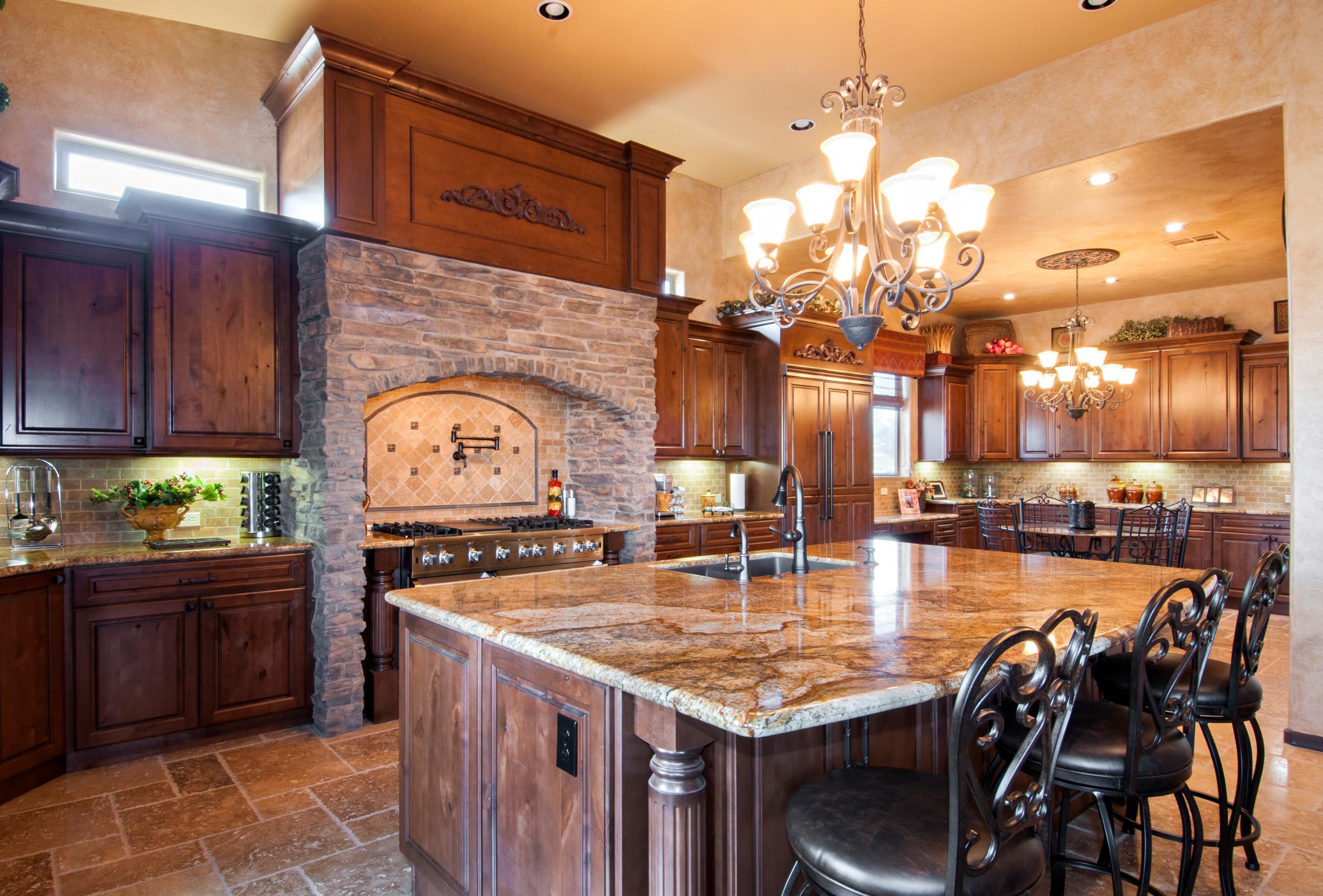 Large Tuscan Kitchen