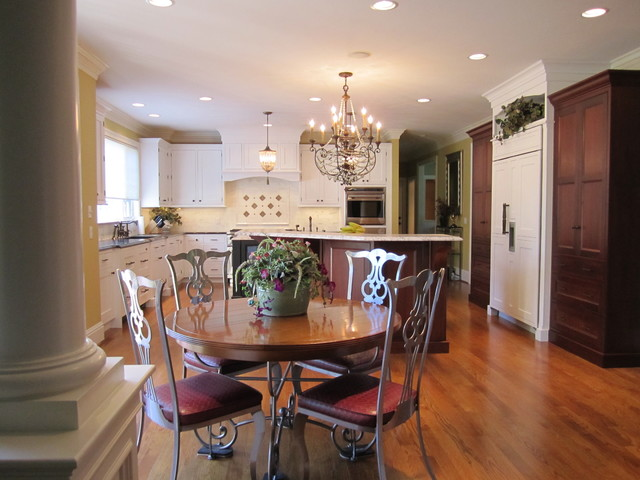 Larger Kitchen Spaces traditional-kitchen