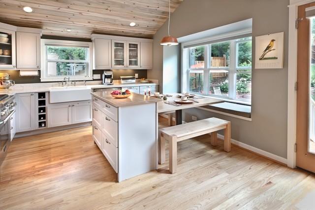 Larkin Construction traditional-kitchen