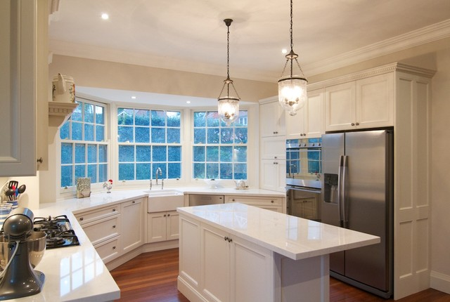 Laurel ave country kitchen sydney by nouvelle for Kitchens western sydney