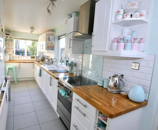 Lavender Cottage - Kitchen - Traditional - Kitchen - Devon - by Torie Jayne