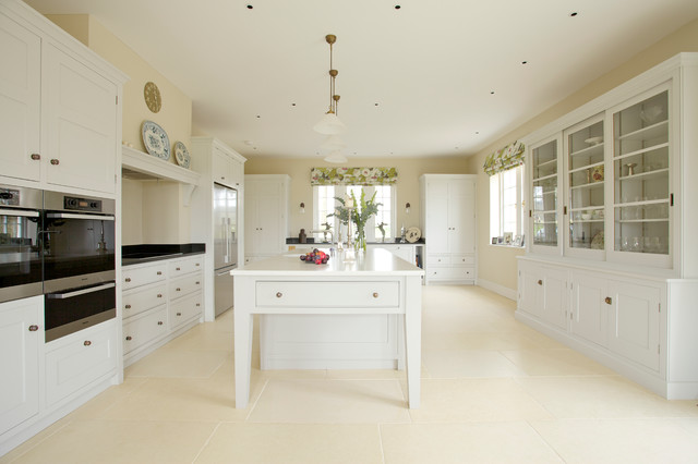 Lawn Farm Traditional Kitchen Wiltshire By Guild Anderson Furniture Limited