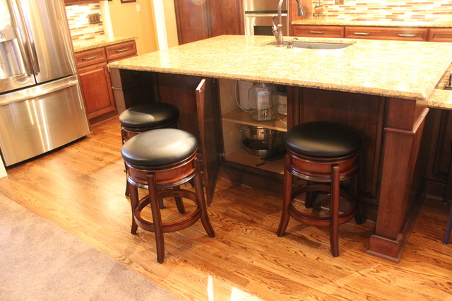 Lawrenceville Kitchen traditional-kitchen