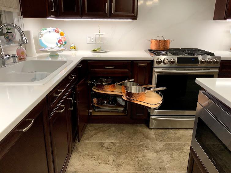 Le Mans-corner cabinet solution.Full kitchen renovation ...