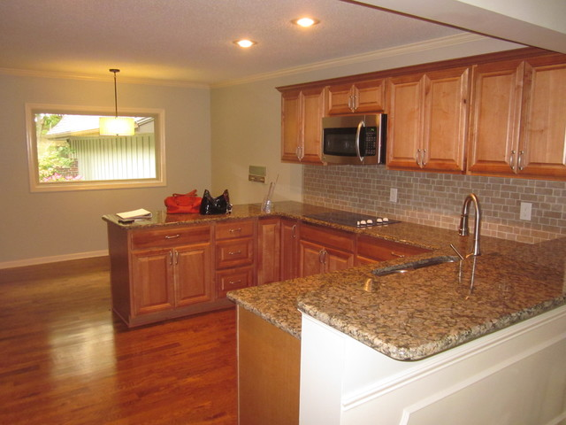 Leawood South Condo traditional-kitchen