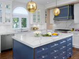 Brass and Blue Boost a Toronto Kitchen (5 photos)