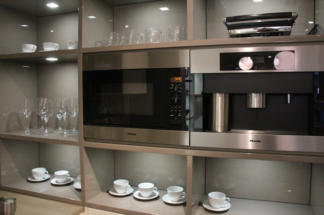 Leicht nyc manhattan showroom contemporary kitchen for New york kitchen units