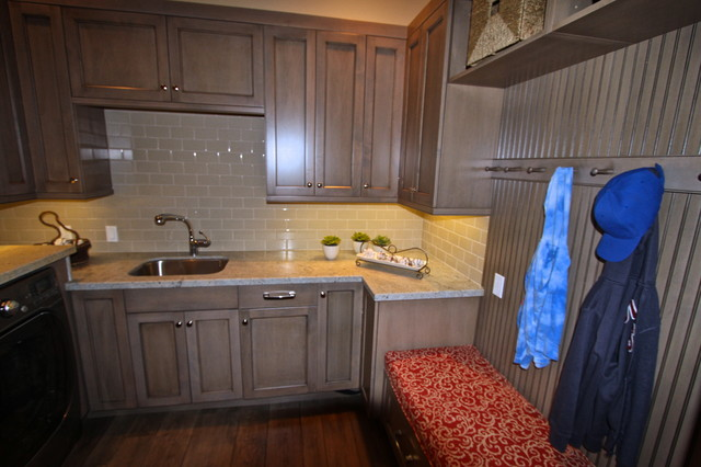 Lemon Heights Home traditional-kitchen