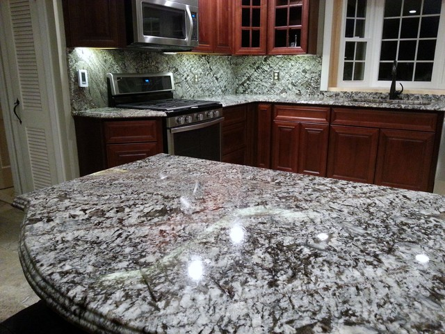 Lennon from 39 head to toe 39 traditional kitchen for Lennon granite countertops