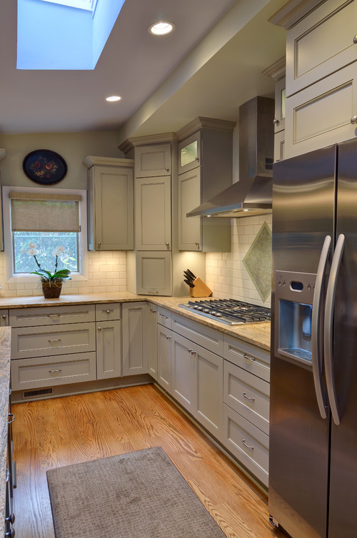 kitchen cabinets and counter tops granite color 7988
