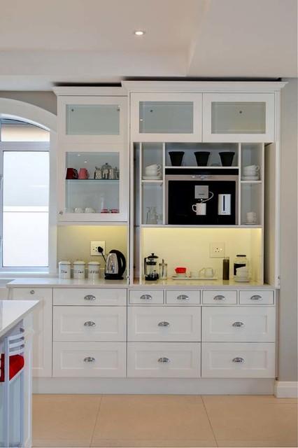 Les Lions Street, Val de Vie Estate, South Africa transitional-kitchen