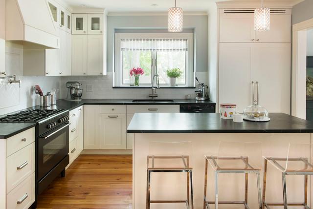 Lexington Residence - Contemporary - Kitchen - Boston - by MANDARINA STUDIO interior design
