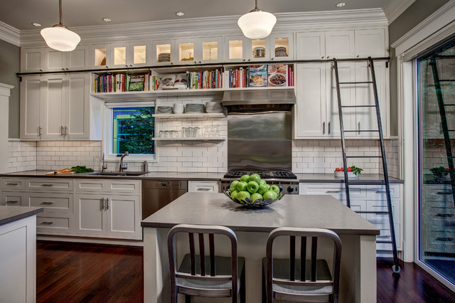 Incroyable Example Of An Arts And Crafts Single Wall Kitchen Design In Seattle With A  Double